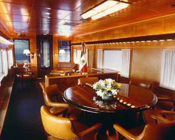 Tren oficial  EL OLIVO- medio histórico de servicio a los Presidentes en turno  03-tren-presidencial